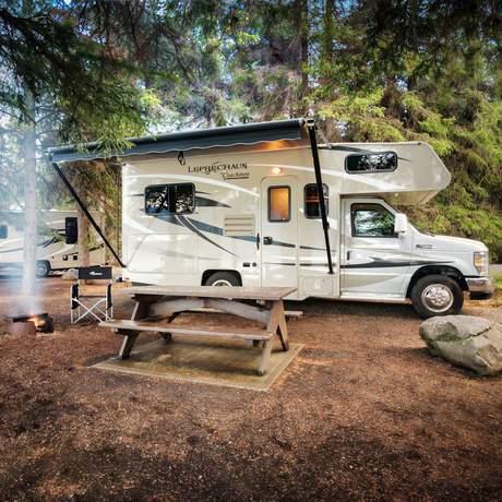 Campground im Kinaskan Lake Provincial Park