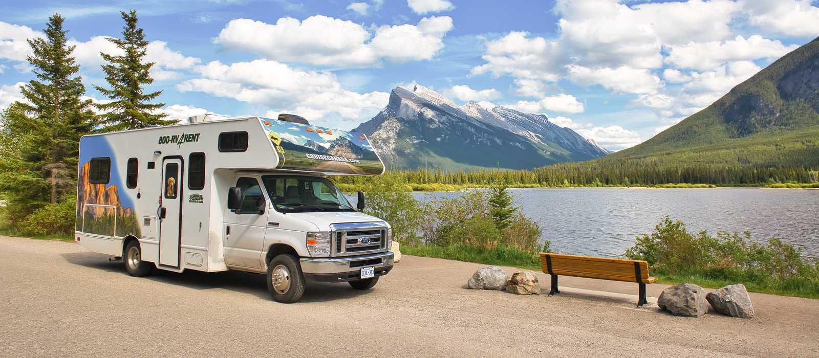 Der Camper C25 von Cruise America in Banff