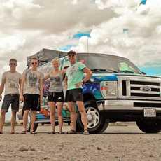 Familienurlaub mit dem Ford Maverick Campervan von Escape Campervans, USA
