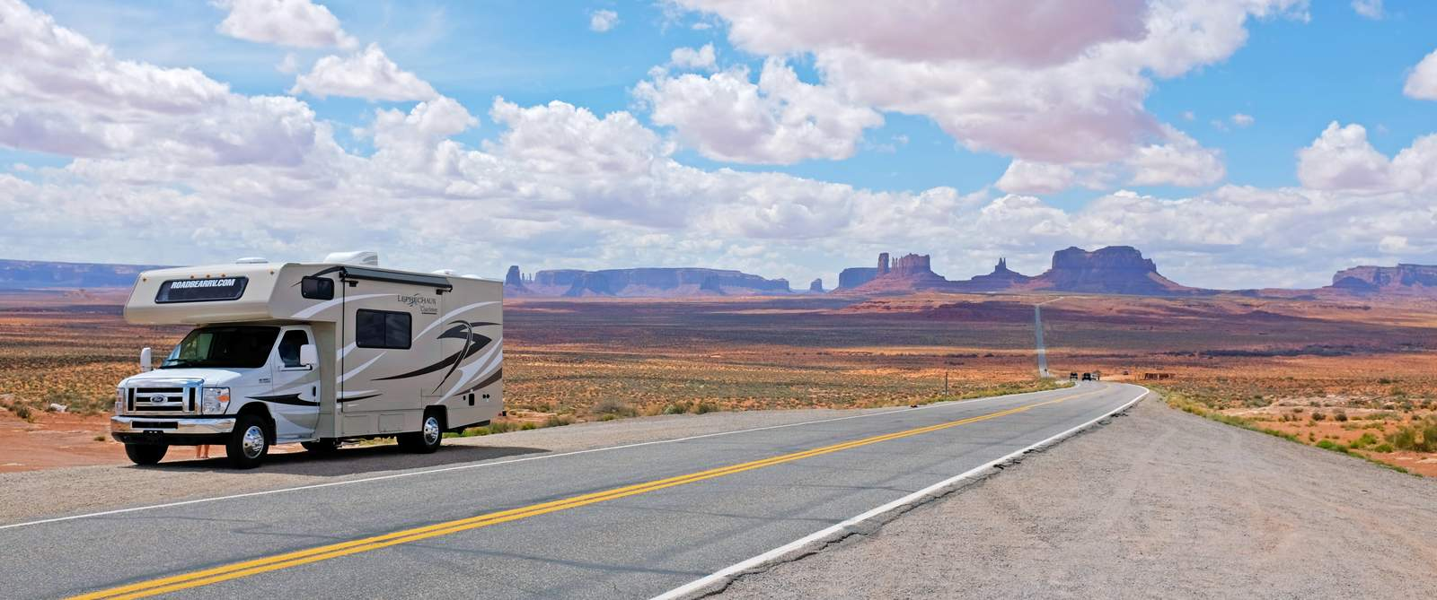 Cruise america t17 truck camper usa amp canada motorhome holidays - Wohnmobil Im Monument Valley