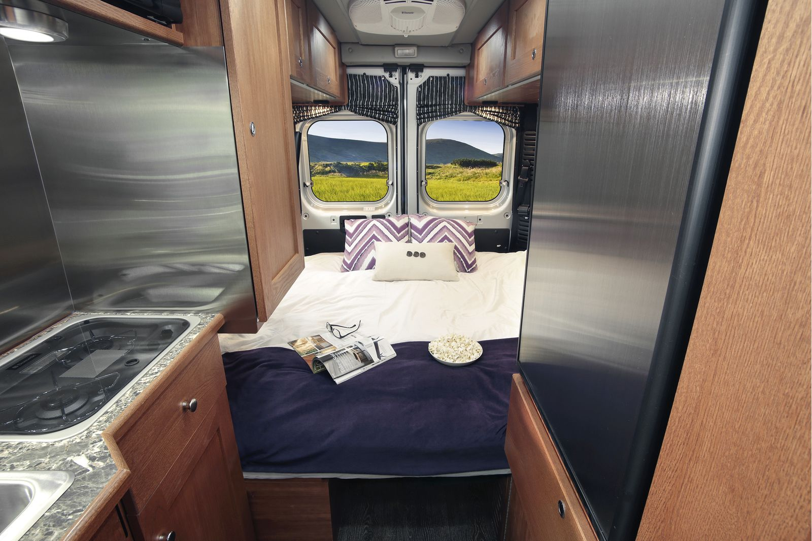 wohnmobile usa star rv saturn rv canusa. Black Bedroom Furniture Sets. Home Design Ideas