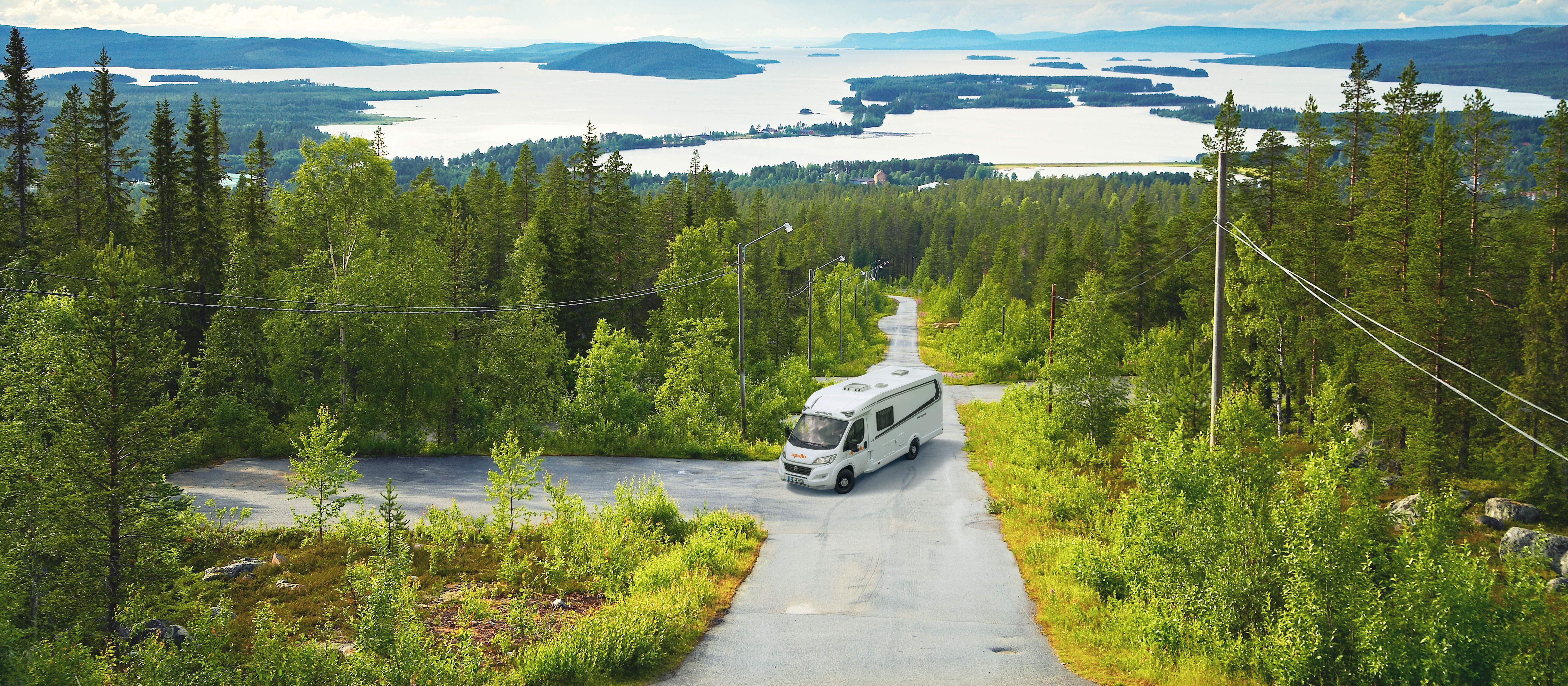 Campen in der Seenlandschaft mit dem Family Traveller Plus von Apollo