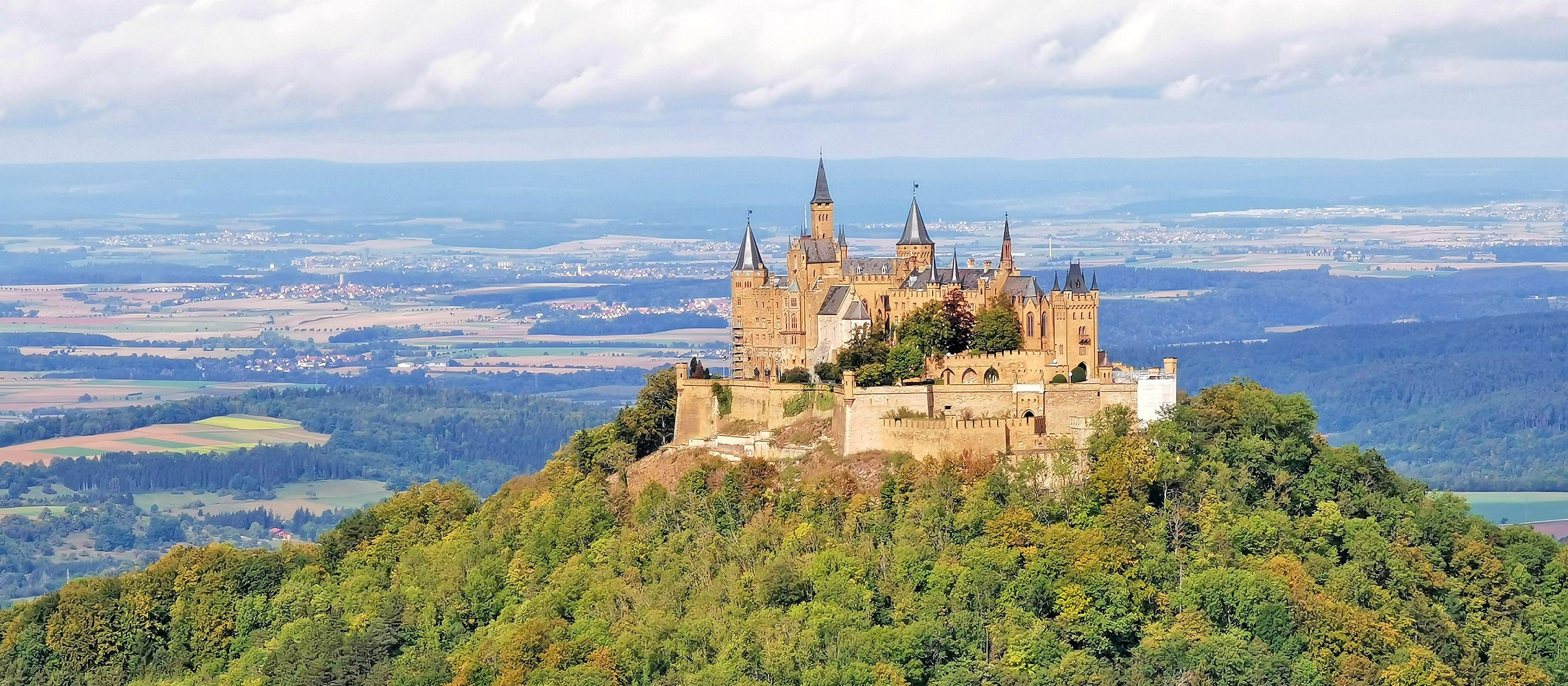 Blick auf die Burg Hohenzollern in Baden-Württemberg