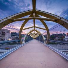 Puente de Luz Pedestrian Bridge in Toronto Kanada