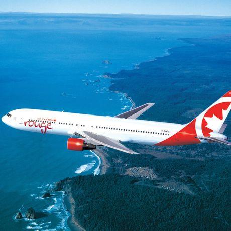 Aussenansicht einer B767 von Air Canada Rouge