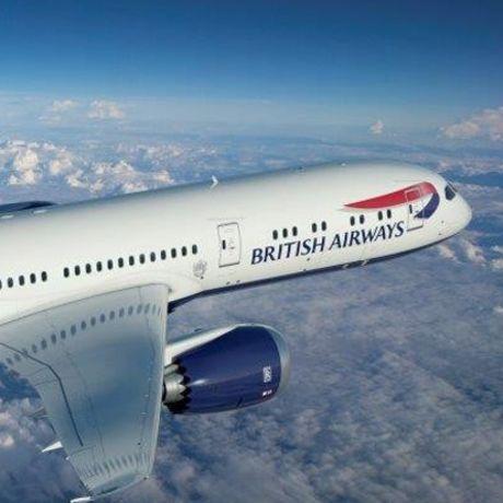 Aussenansicht der British Airways B-787 mit Logo