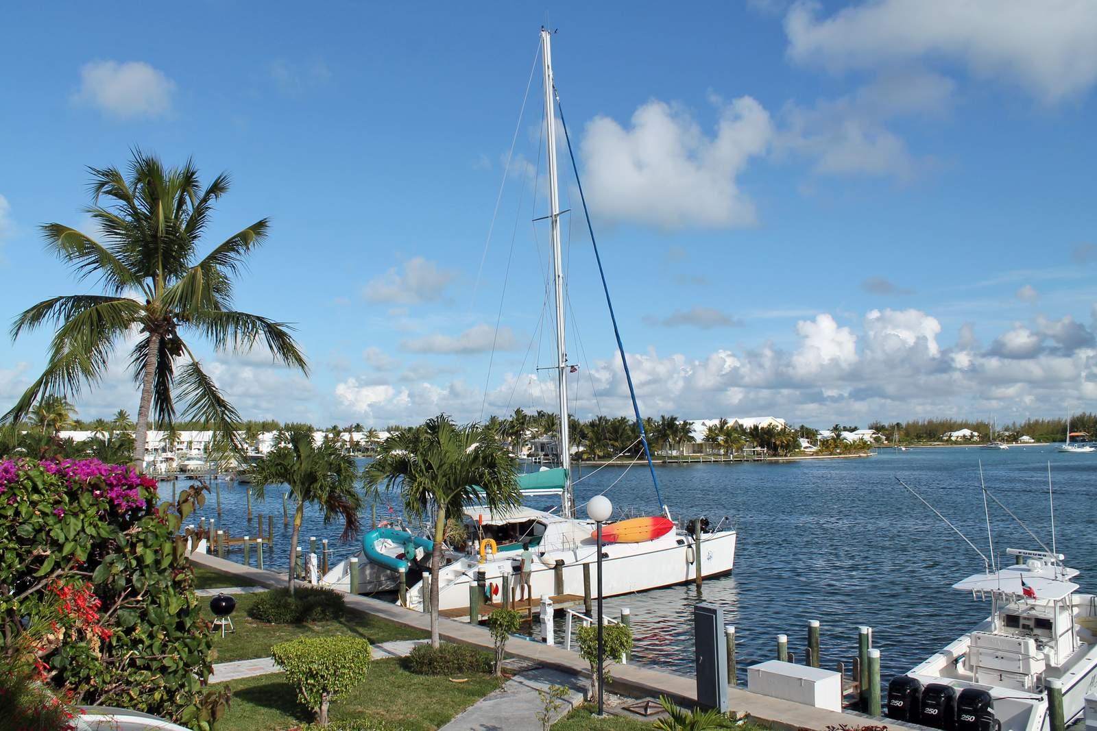 Ob Motor- oder Segelboot - ein Paradies zum Bootsfahren