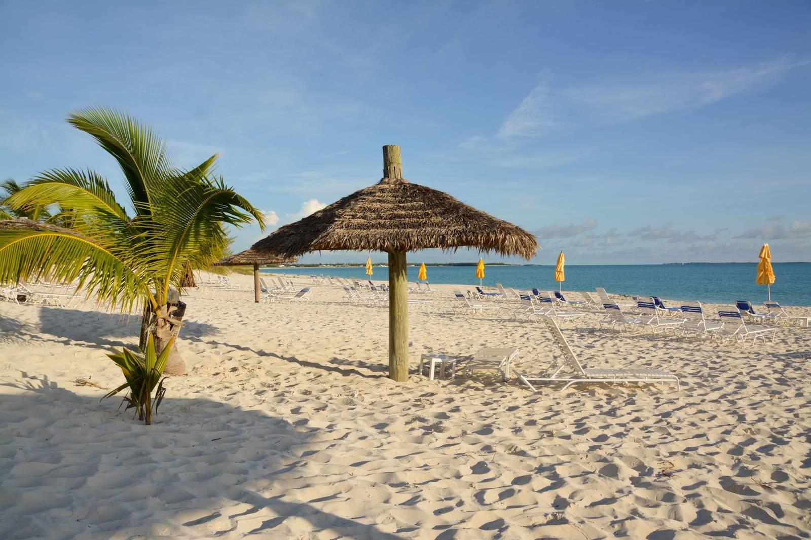 Strand beim Treasure Cay Resort auf Abaco