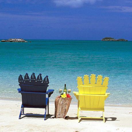 StŸhle am Strand von Fernandez Bay