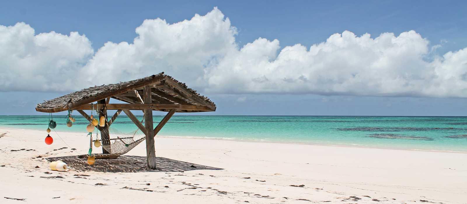 Wunderschöner Strand des Greenwood Beach Resorts aus Cat Island