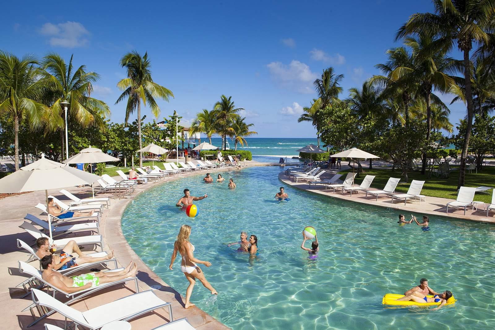 Poolanlage vom Grand Lucayan Resort****