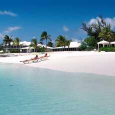 Ein Privatstrand am Cape Santa Maria Beach auf den Bahamas