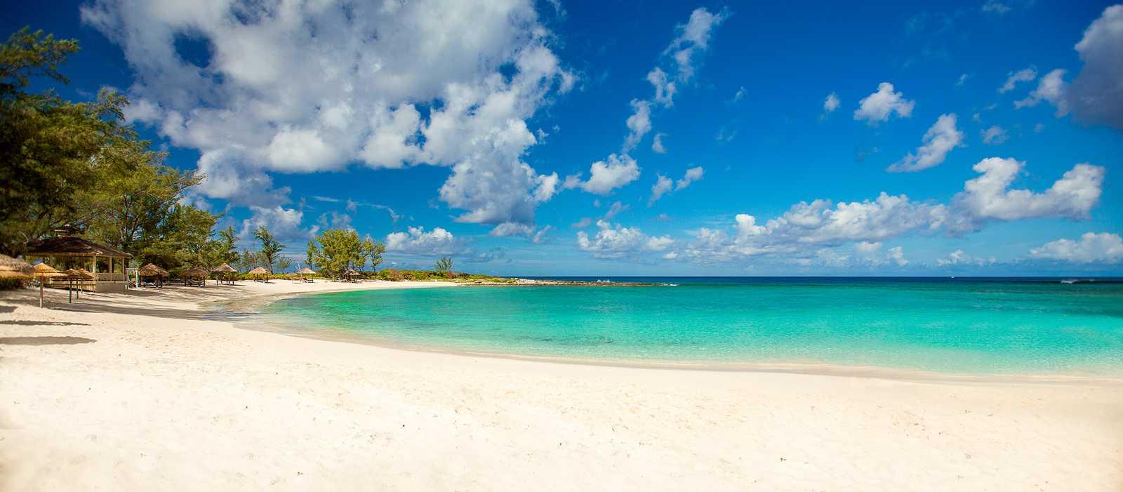 Der Strand am Sandals Royal Bahamian Hotel auf Nassau