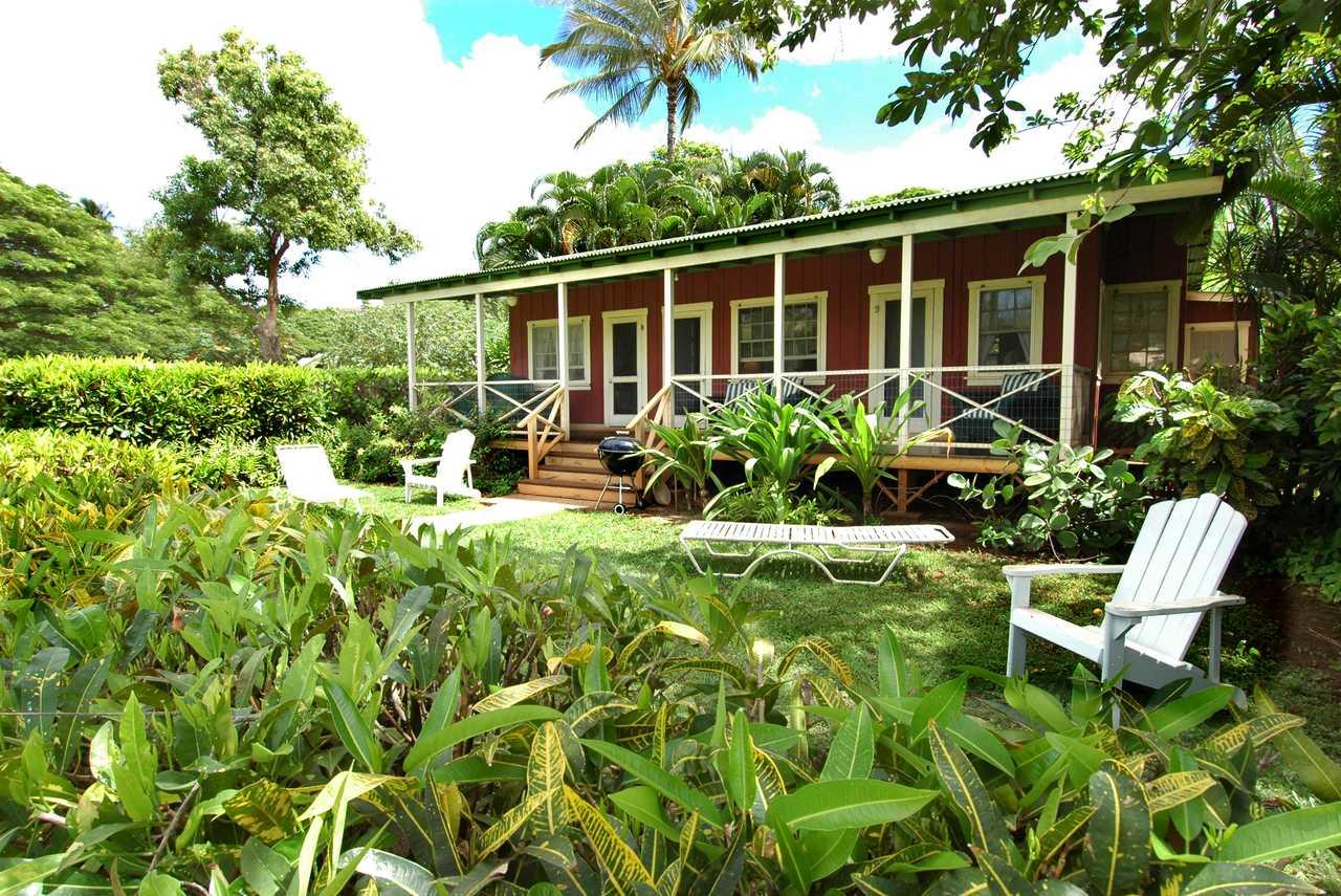 Aussenansicht der Waimea Plantation Cottages auf Kauai, Hawaii