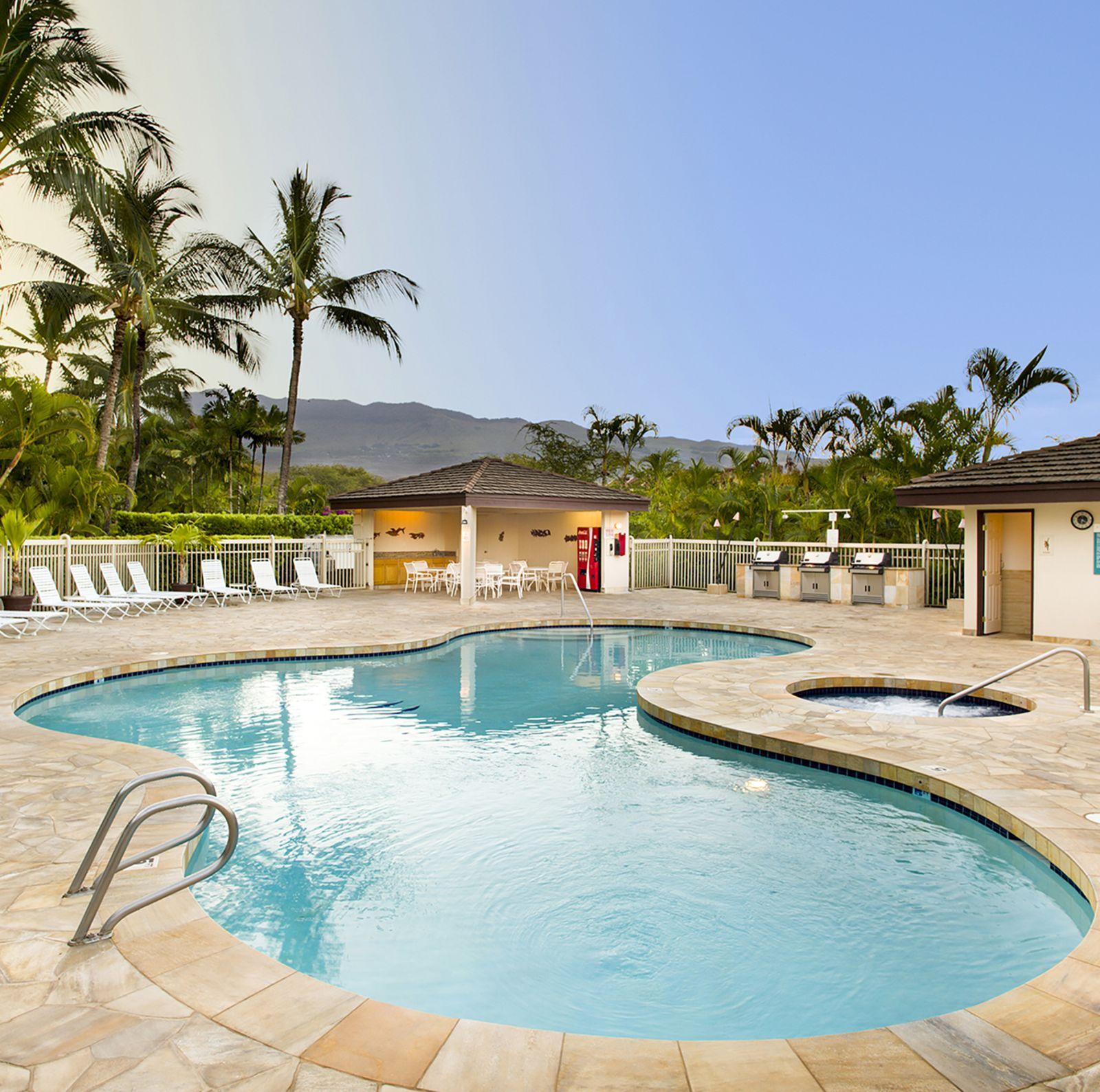 hotel hawaii aston at the maui banyan canusa. Black Bedroom Furniture Sets. Home Design Ideas