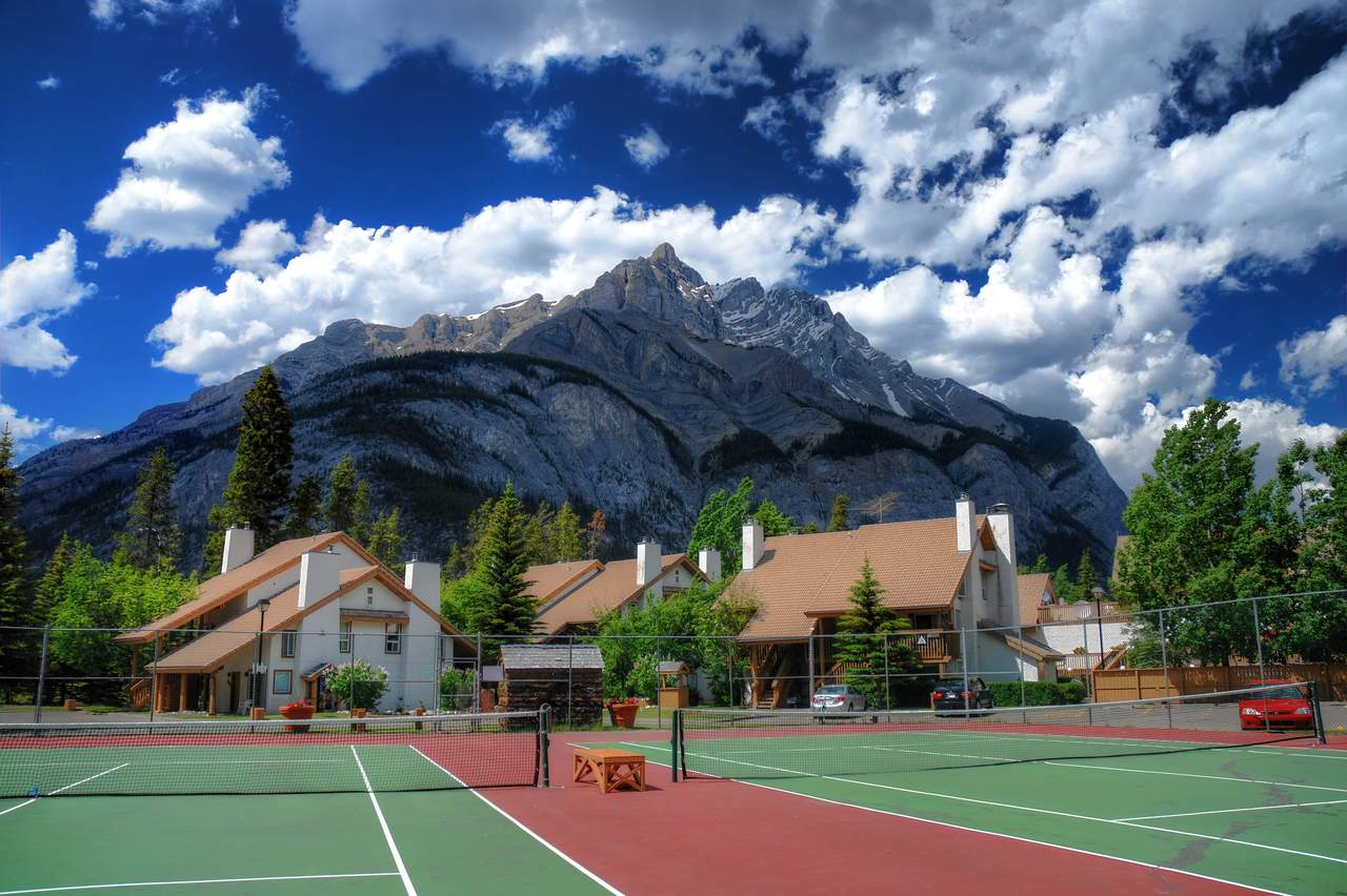 Hotel alberta banff rocky mountain resort canusa for Rocky mountain lodges