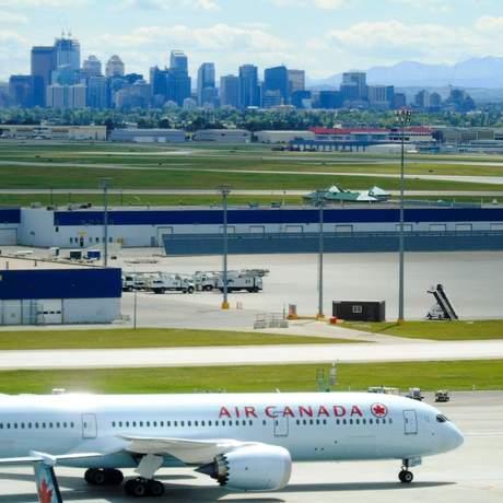 Calgary Airport Marriott In-Terminal Hotel Aussicht auf Airport aus Suite