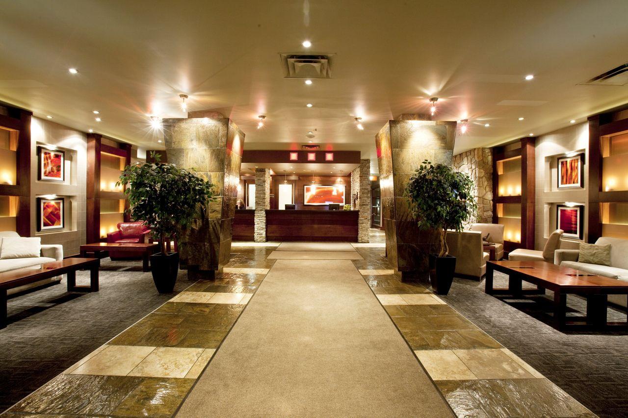 Sandman Hotel By West Edmonton Mall
