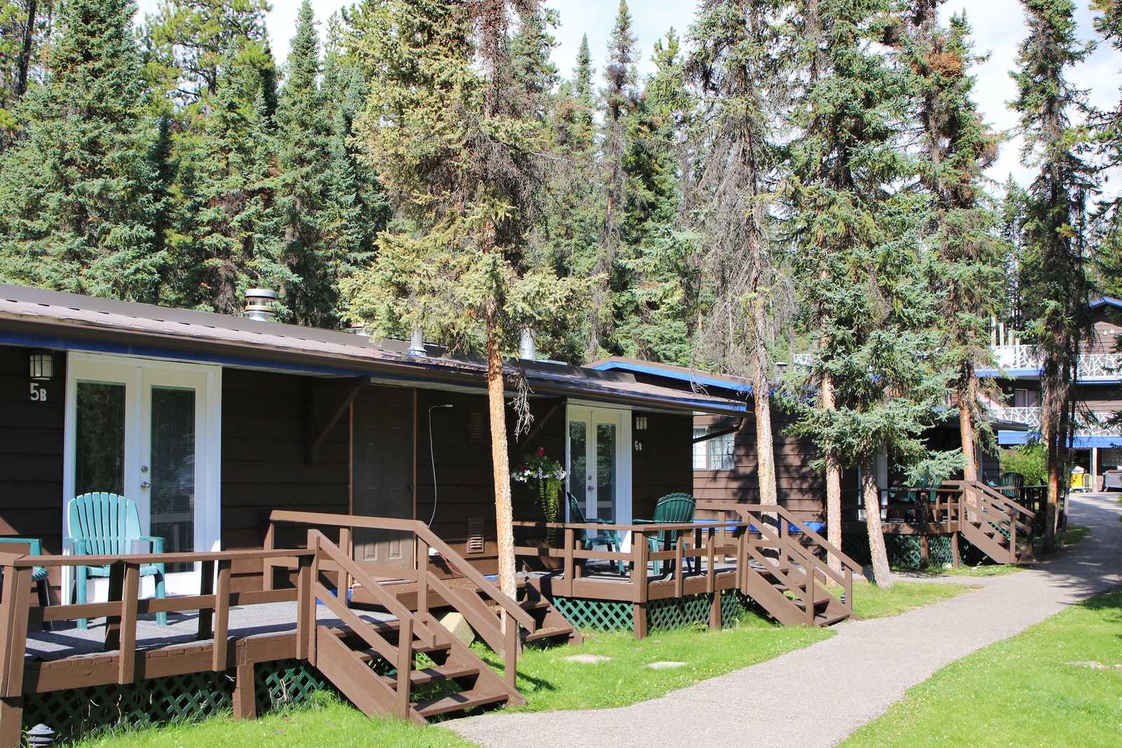Sunwapta Falls Rocky Mountain Lodge