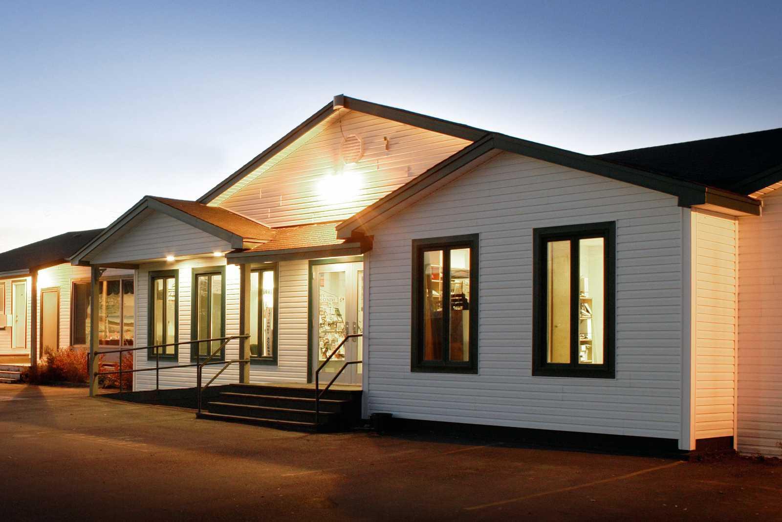 Shallow Bay Motel