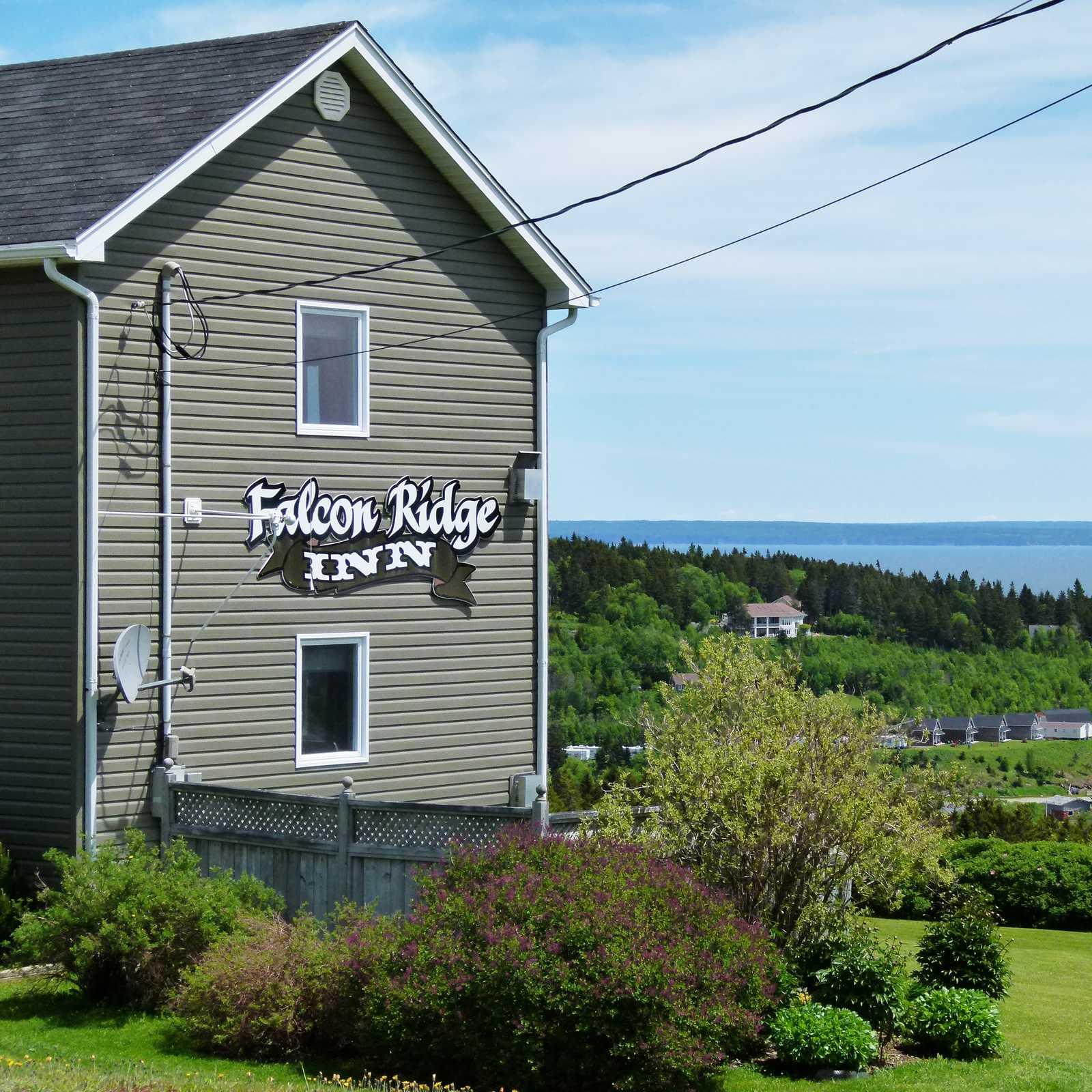 Falcon Ridge Inn
