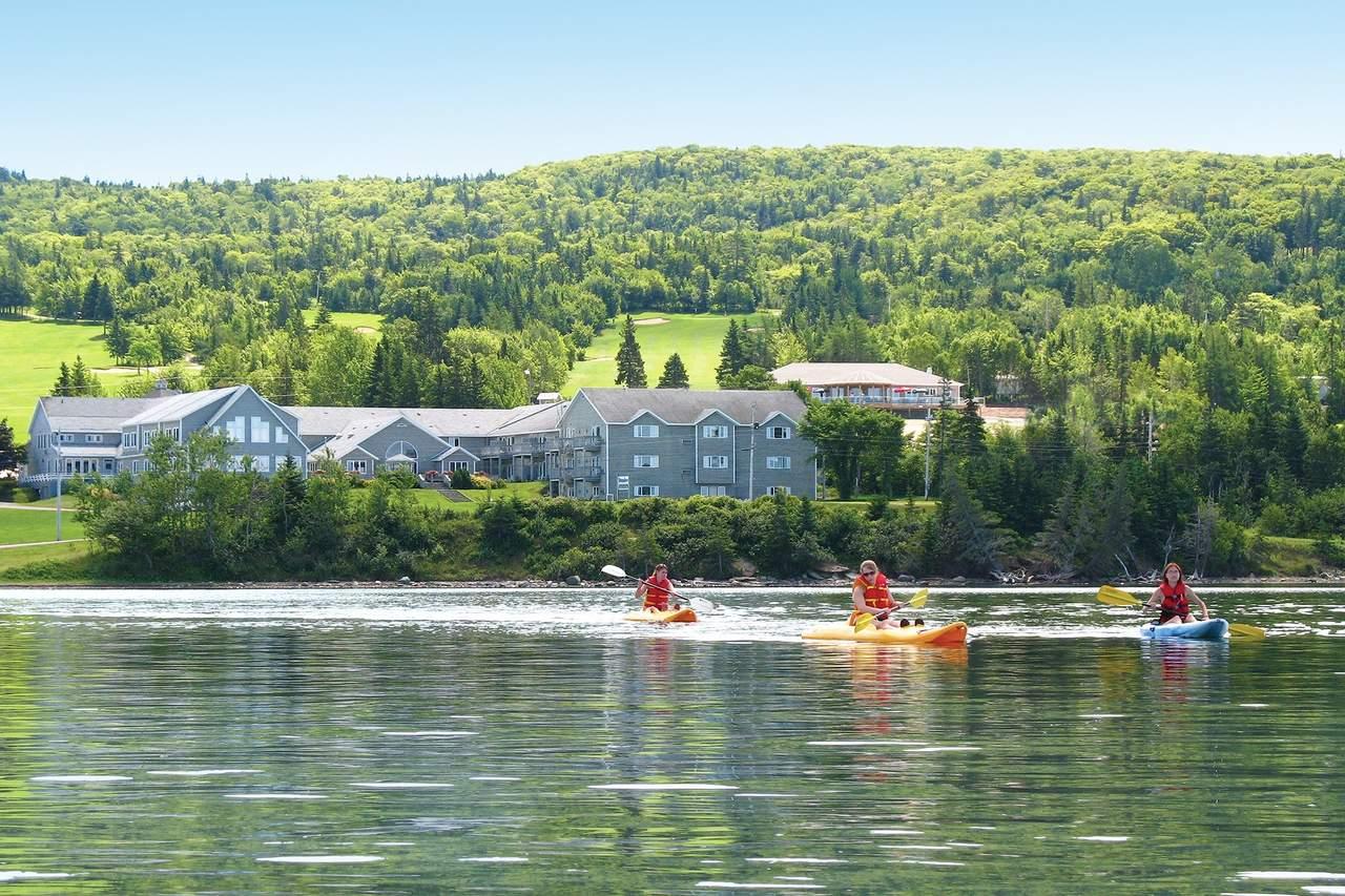 Kayak fahren beim Dundee Golf Resort & Spa