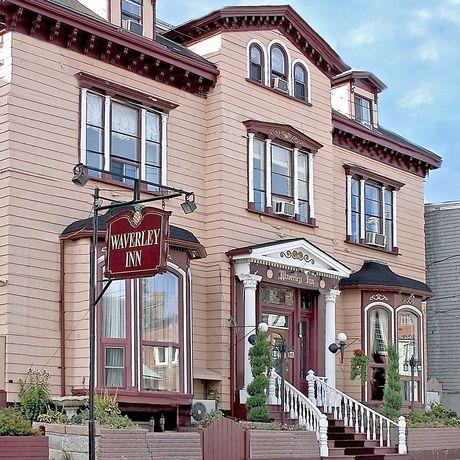 B & B: Waverly Inn