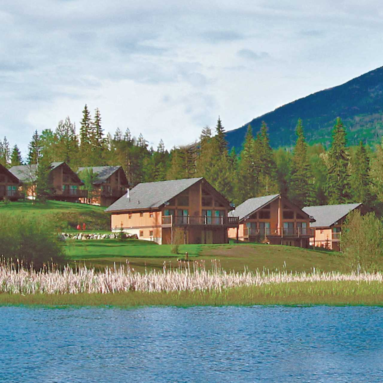 Hotel, British Columbia: Alpine Meadows Resort