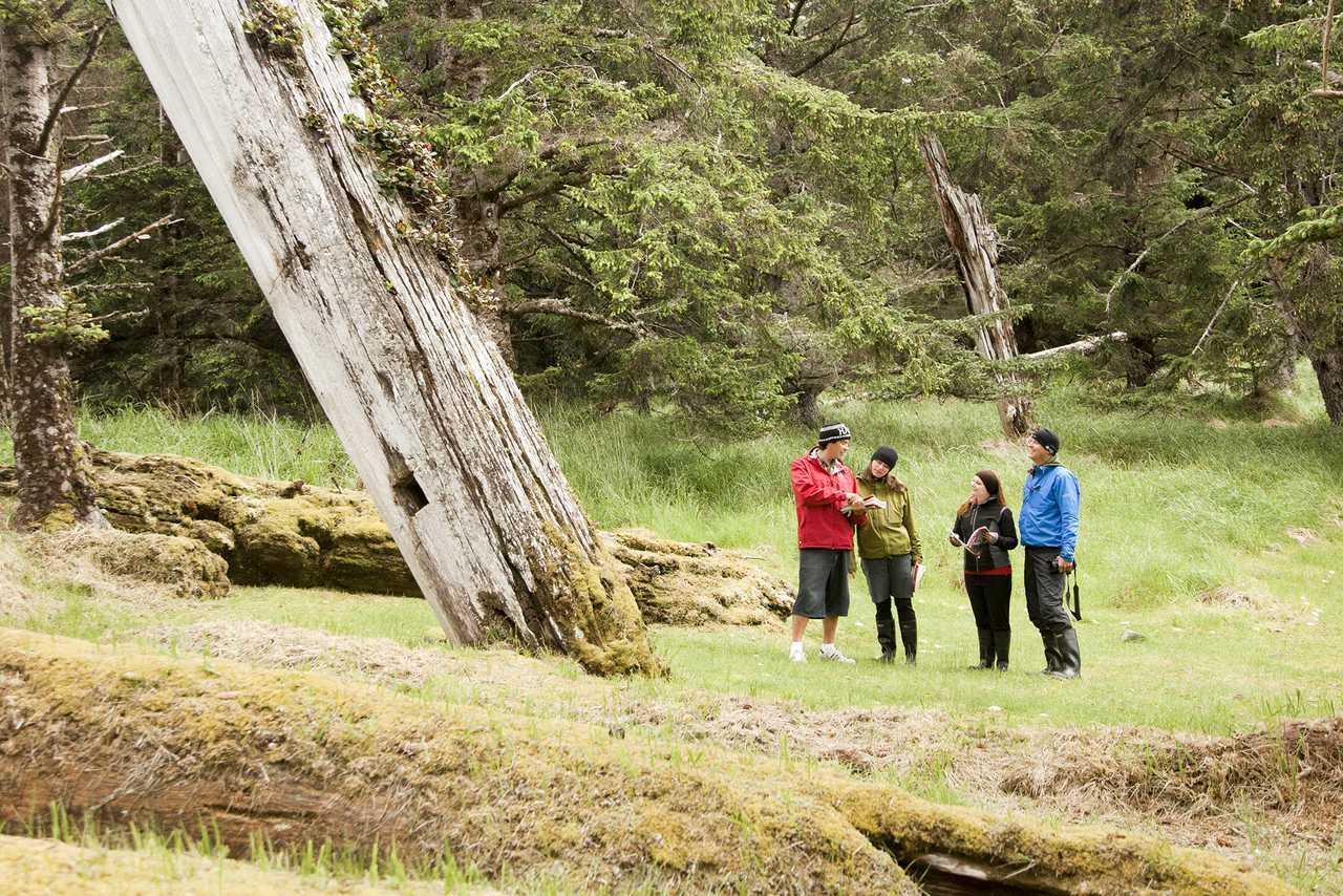 Guide-Tour des Haida House at Tllaal