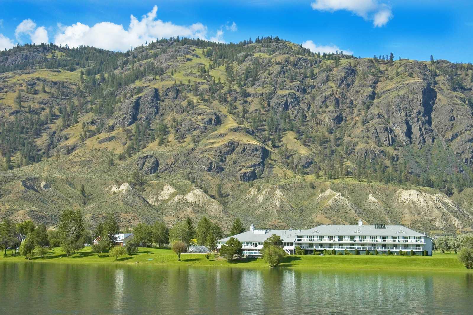 South Thompson Inn & Guest Ranch
