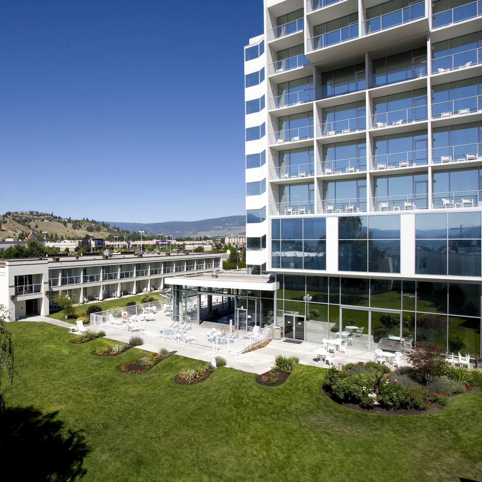 Best Western Kelowna Hotel And Suites