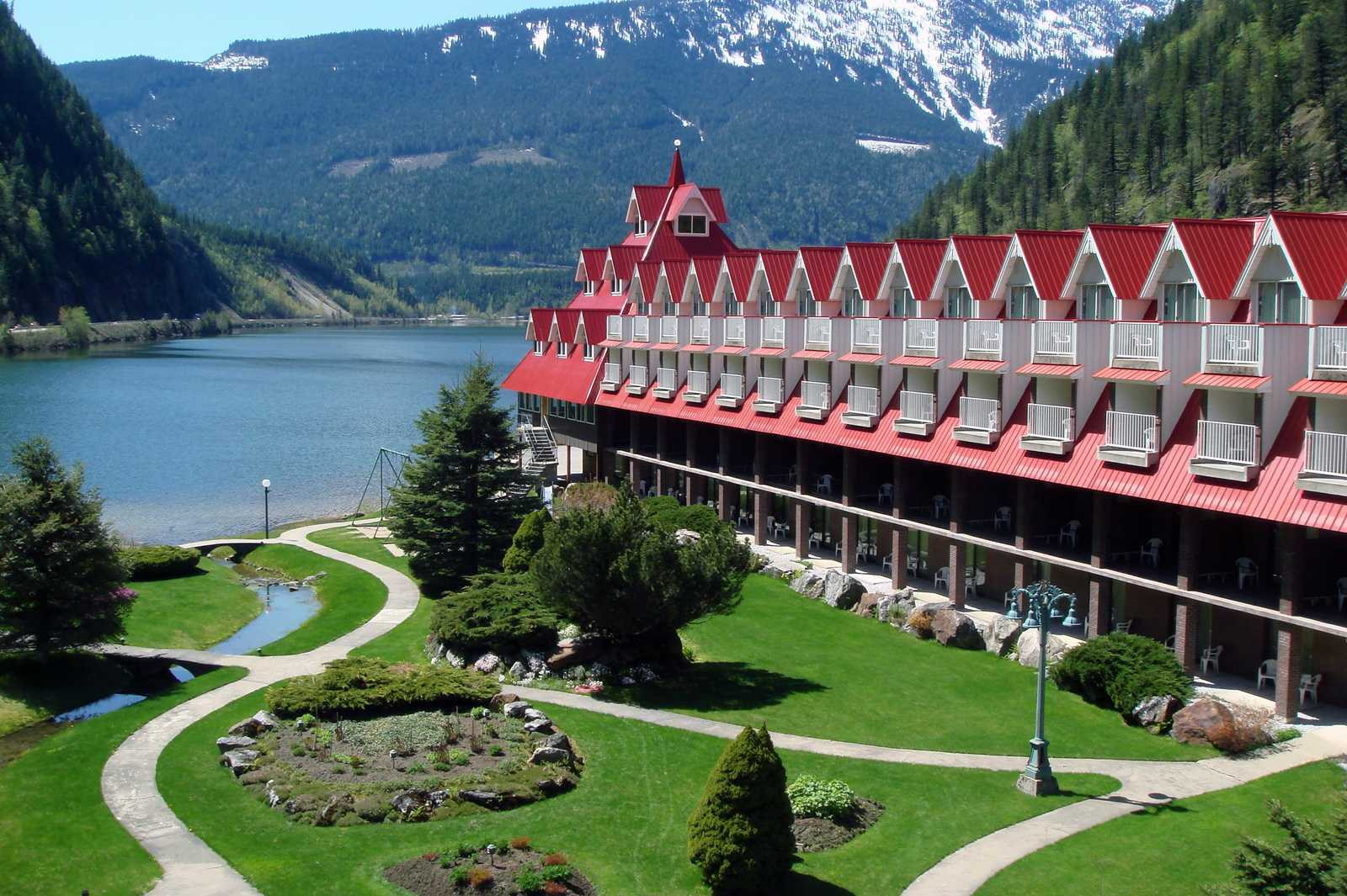 Three Valley Lake Chateau in Revelstoke