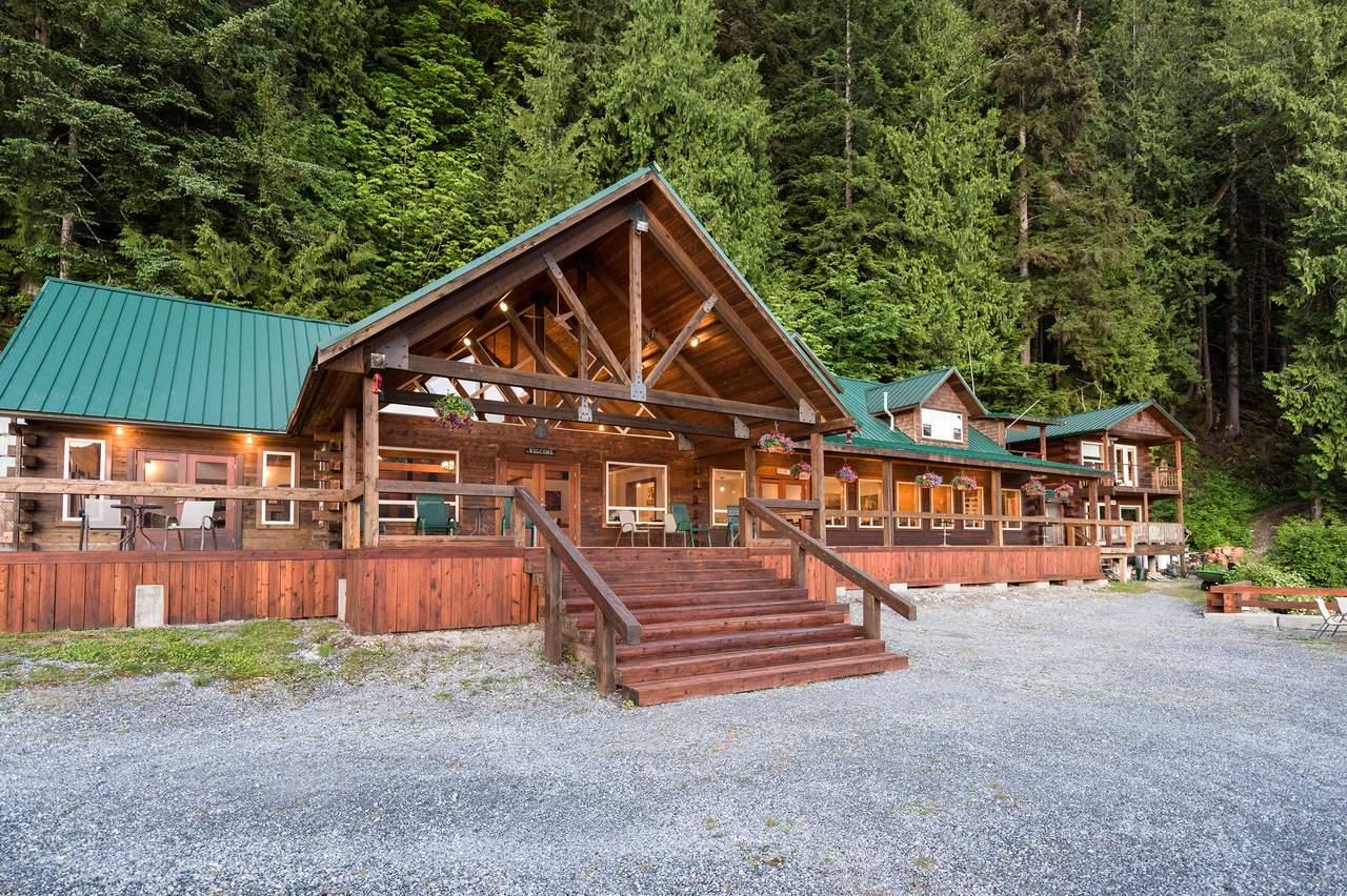 Eingang der Haupthütte der Homfray Lodge