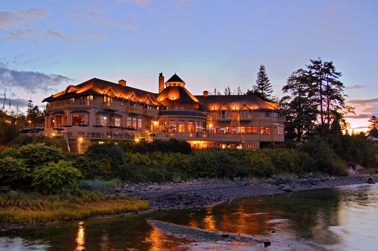 Painters Lodge Vancouver Island