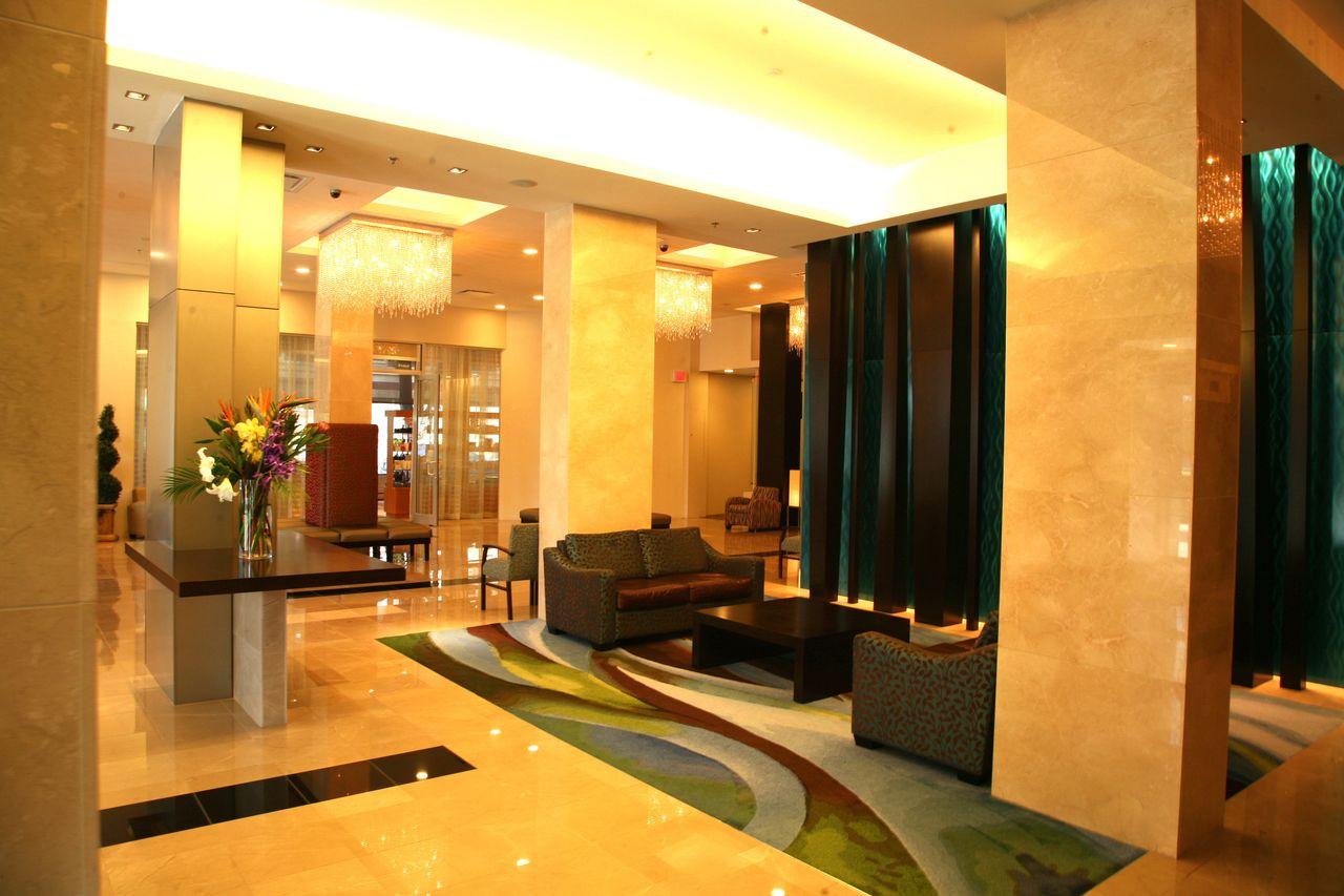 Hotel british columbia century plaza hotel spa canusa for A salon century plaza