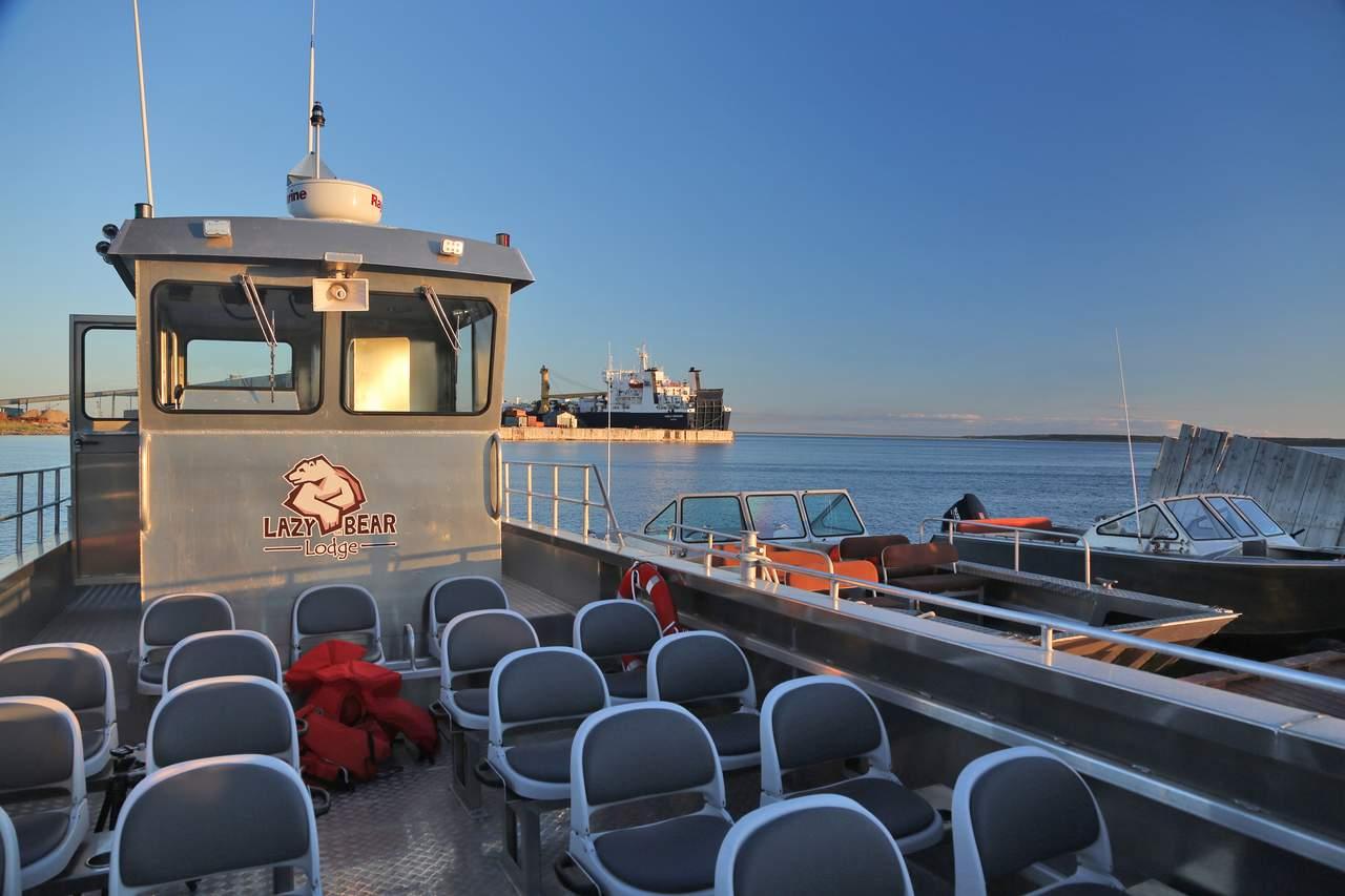 Canadian Coastguardin auf dem Hudson Bay in Churchill, Manitoba