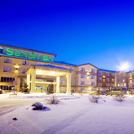 Airport Sandman Hotel Suites