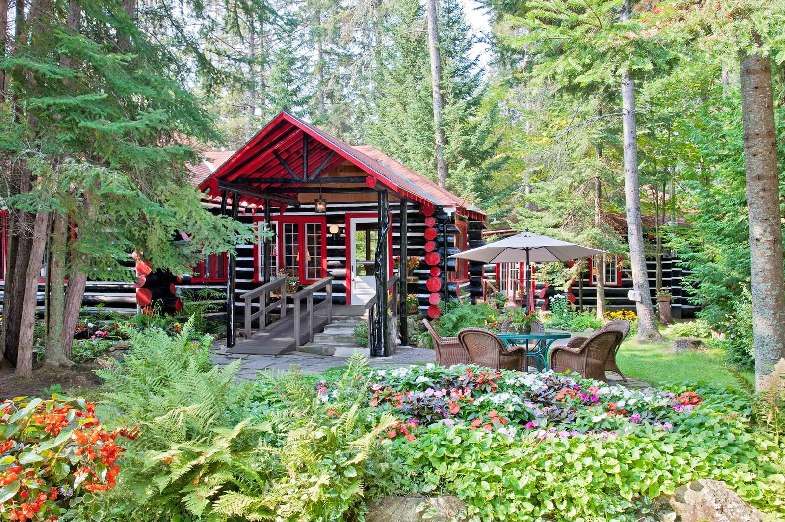 Killarney Lodge - Algonquin Park