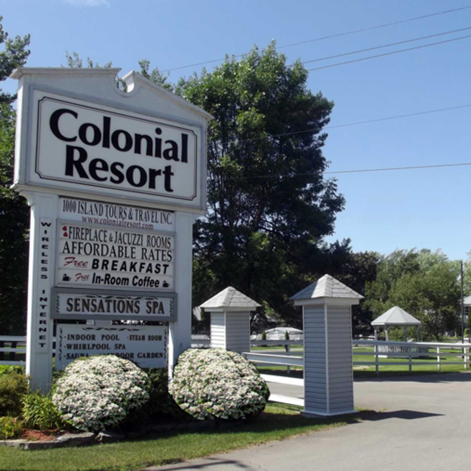 Colonial Resort