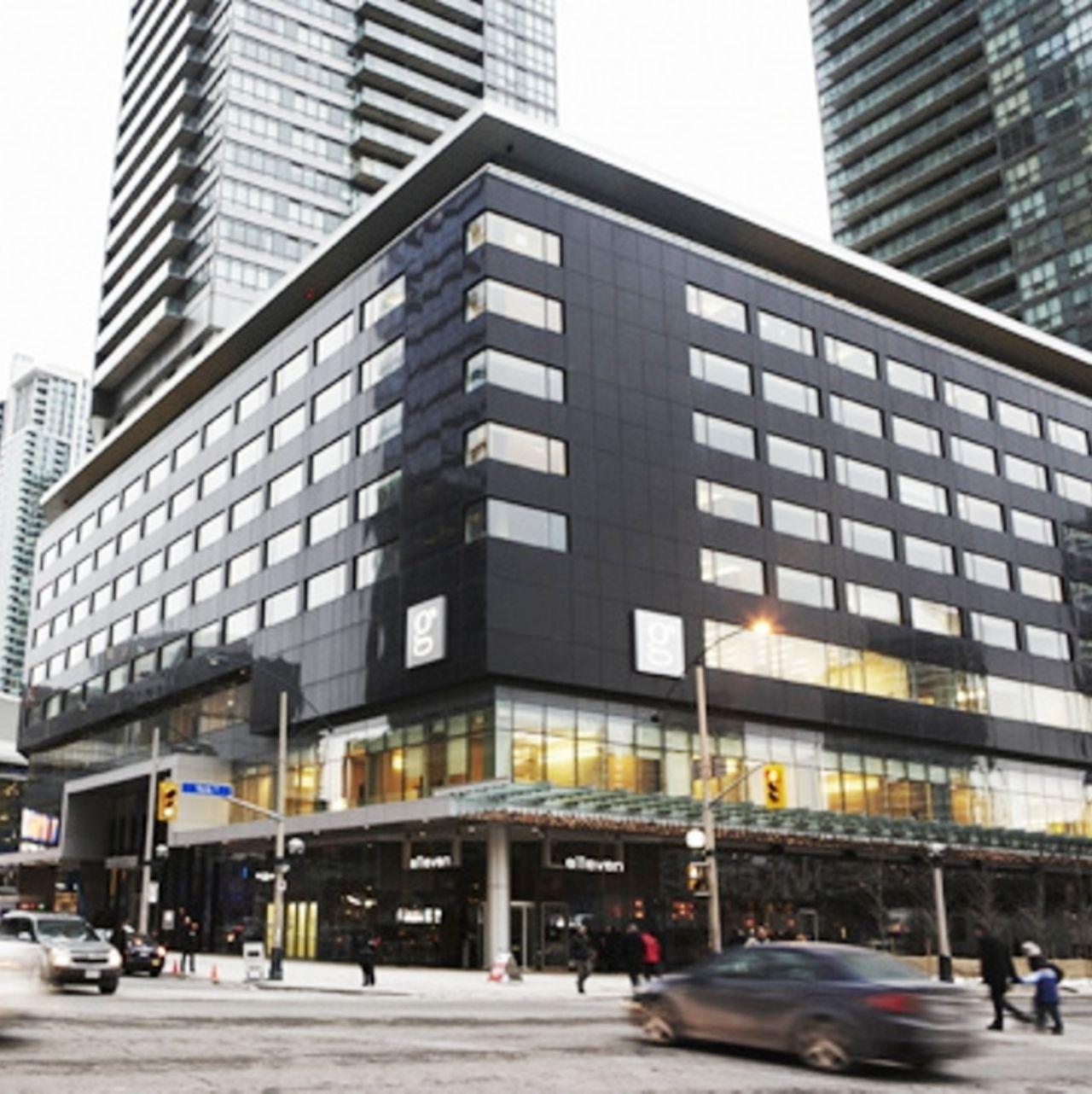 Hotel Le Germain Maple Leaf Square Restaurant