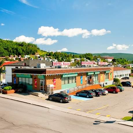 Adams Motel