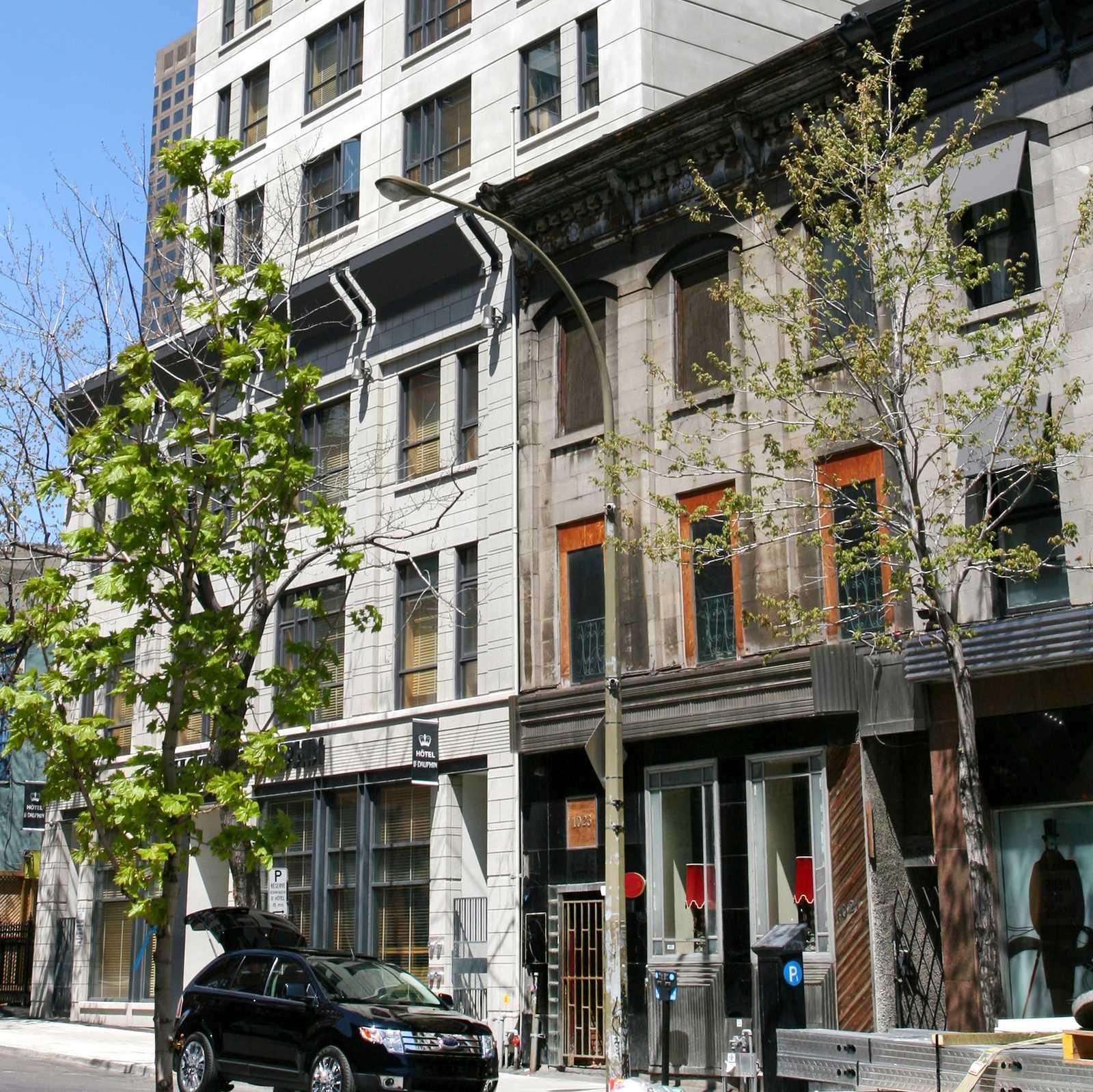 Hotel quebec hotel le dauphin montr al centre ville canusa for Hotel piscine montreal