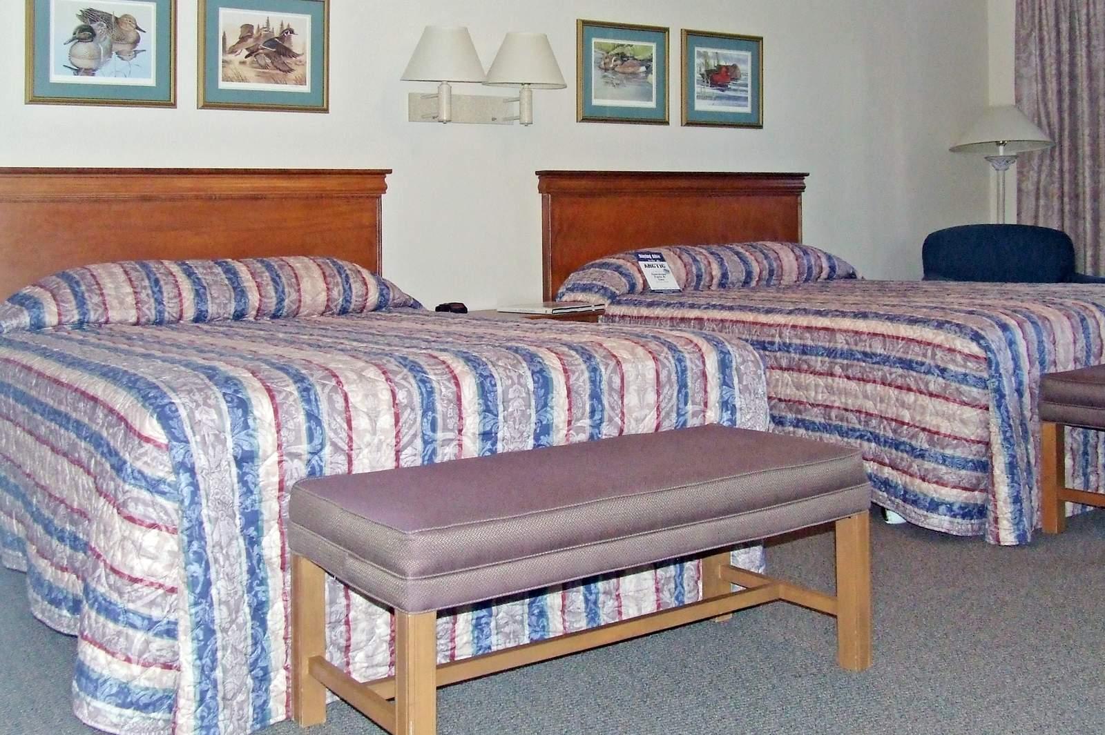 hotel alaska wedgewood resort canusa