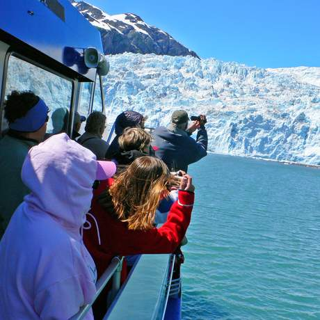 Touristen filmen Gletscher