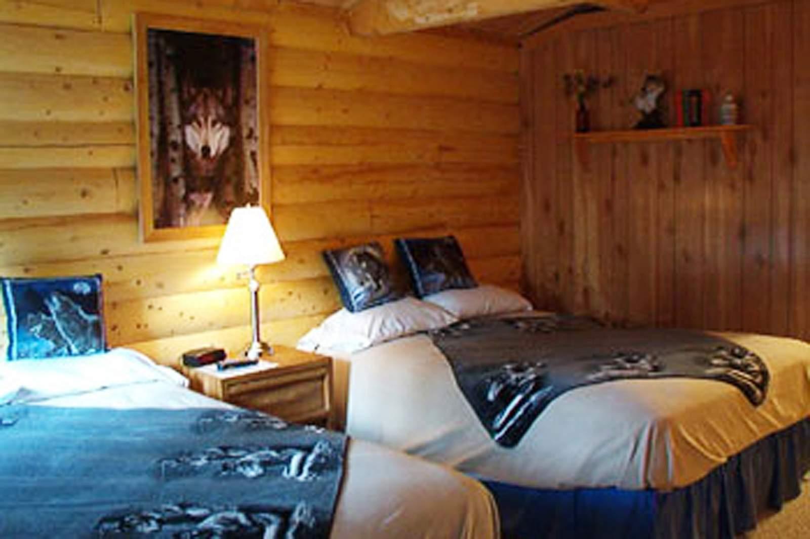 Hotel Alaska Burnt Paw Cabins Canusa