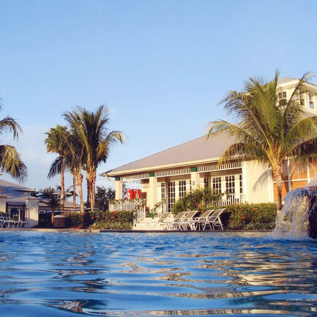 hotel florida greenlinks golf villas at lely resort canusa. Black Bedroom Furniture Sets. Home Design Ideas