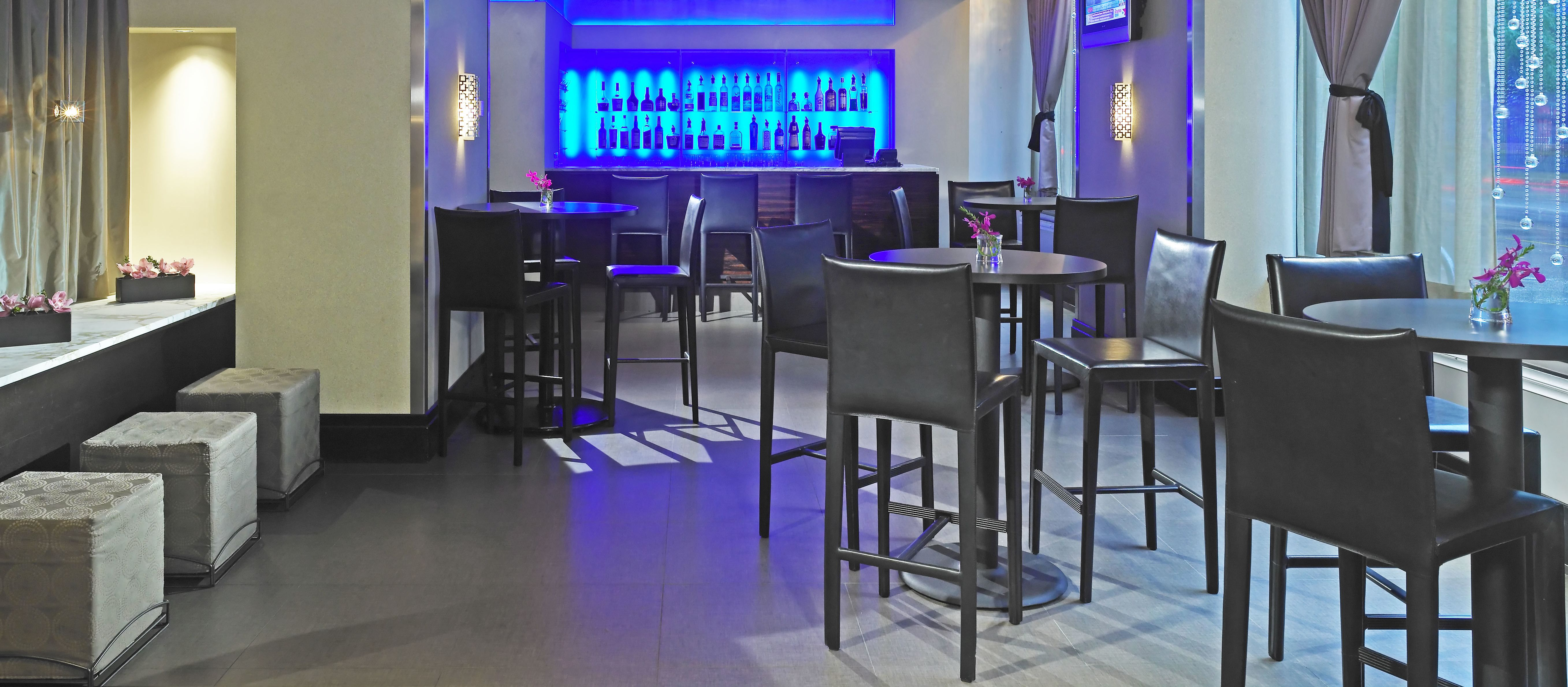 The Inn Bar im Inn of Chicago, Illinois