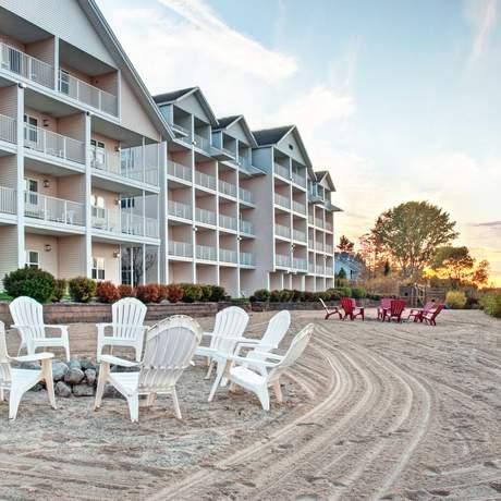 Cherry Tree Inn & Suites