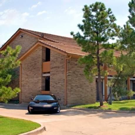 Best Western Plus Saddleback Inn