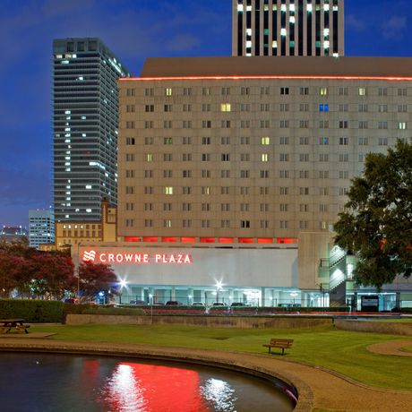 Crowne Plaza Downtown Houston